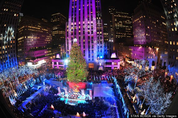 The Rockefeller Center Christmas Tree is lit December 4, 2013 in New York.  AFP PHOTO/Stan HONDA (Photo credit should read STAN HONDA/AFP/Getty Images) - US-CULTURE-ROCKEFELLER-TREE-LIGHTING €� Park Avenue Style