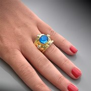 18K Yellow Gold Blue Topaz Cabochon Ring