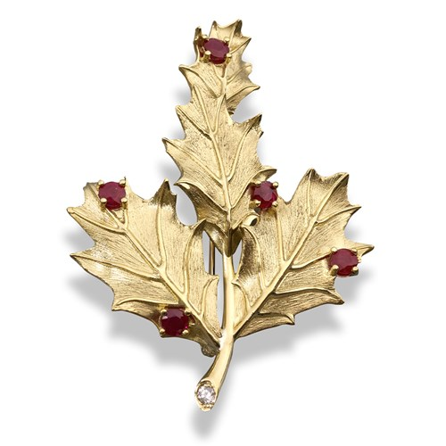 18k Gold Holly Leaf Pin