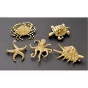 18k Gold Spikey Shell Pin