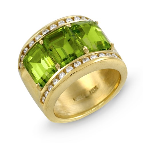18K Yellow Gold Wide Peridot & Diamond Ring