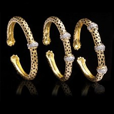 18k Gold Cheetah Paw Diamond Collar Bracelets
