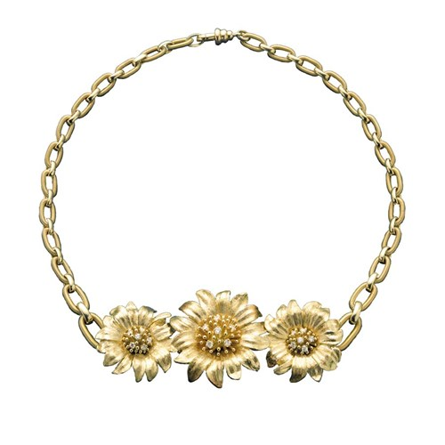 18k Yellow Gold Diamond Sprinkle Daisy Necklace