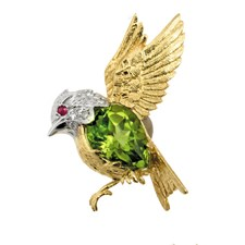 18K Yellow Gold Songbird Pin with Peridot and Diamonds