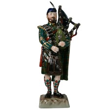 Scottish Bagpiper Porcelain Figurine
