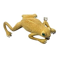 Gold Frog Pin with Diamond