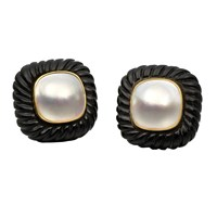 Fluted Onyx & Mabe Pearl Earrings