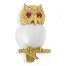 18k Yellow Gold Pearl Owl Pin on Branch