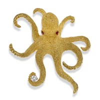 Large 18K Yellow Gold Octopus Pin with Diamond