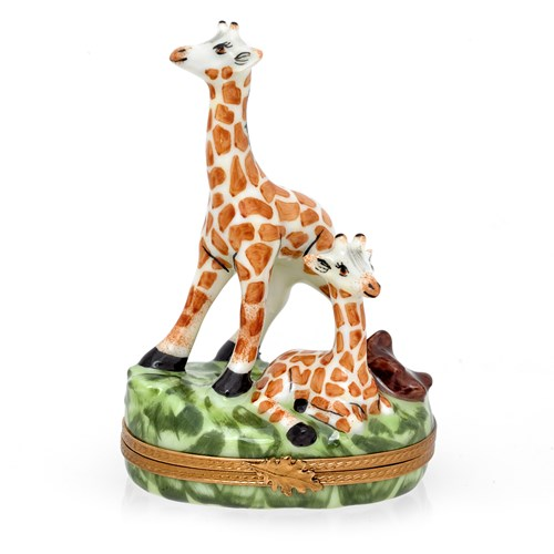 giraffe with baby limoges box limoges boxes. Black Bedroom Furniture Sets. Home Design Ideas