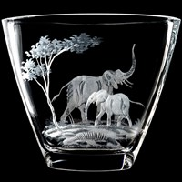 Queen Lace Crystal Vase, Mother Elephant with Calf